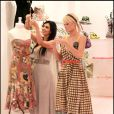 Paris Hilton et Kim Kardashian à Beverly Hills. Juin 2006