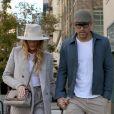 Blake Lively et son mari Ryan Reynolds se promènent main dans la main dans les rues de New York, le 17 octobre 2017.