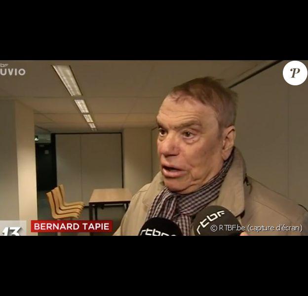 Bernard Tapie s'exprime sur la RTBF après son audience avec un juge des saisies à Bruxelles, le 25 octobre 2017.