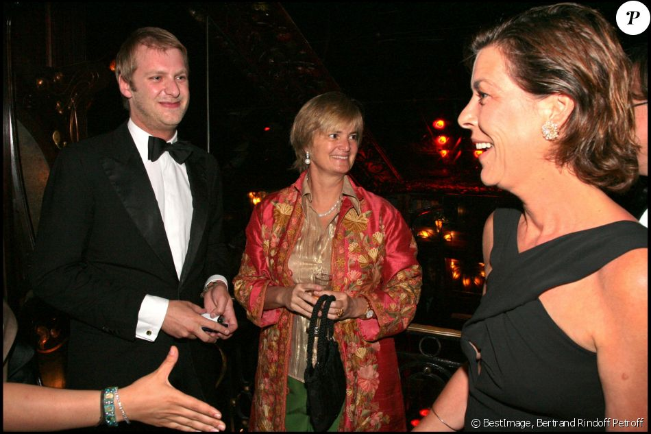 le prince carlos von hohenzollern en juin 2007 chez maxim 39 s paris avec la princesse gloria. Black Bedroom Furniture Sets. Home Design Ideas