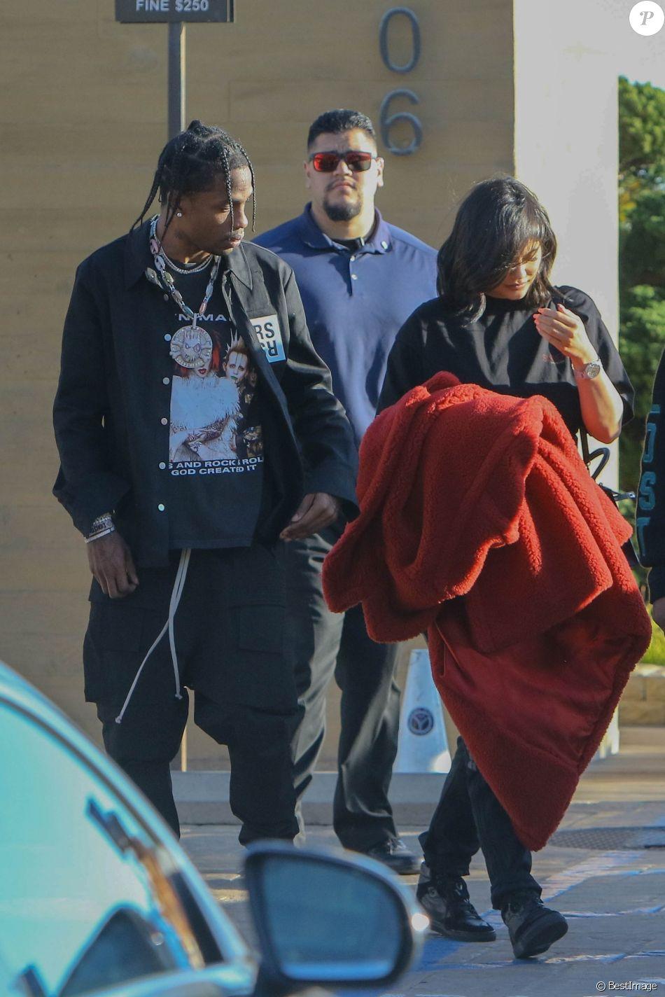 Kylie Jenner et son compagnon Travis Scott sont allés déjeuner au restaurant Nobu à Malibu, le 24 février 2018