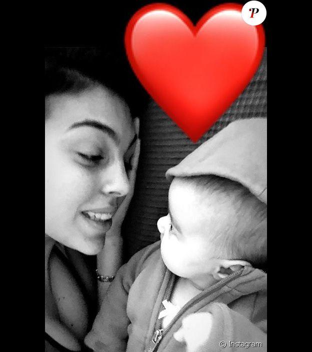 Georgina Rodriguez publie des images de sa fille Alana Martina sur Instagram. Février 2018.
