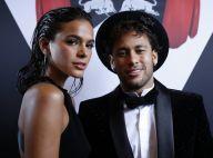 Neymar opéré au Brésil : Tendre baiser avec sa bombe Bruna Marquezine