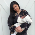 Kylie Jenner prend la pose avec sa fille Stormi le 1er mars 2018