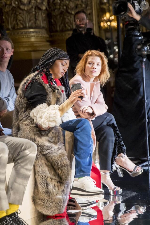 """Selah Marley et Mélanie Thierry - Défilé de mode prêt à porter Automne Hiver 2018/2019 """"Stella McCartney"""" à l'Opéra Garnier. Paris, le 5 mars 2018. © Olivier Borde / Bestimage"""
