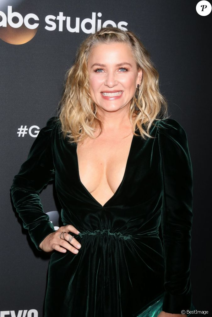 capshaw divorced singles 5 celeb marriages born in scandal including some very long-lasting ones  steven spielberg and kate capshaw:  phillips filed for divorce soon after.