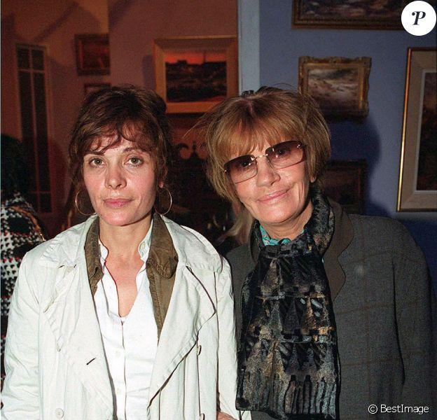 Marie Trintignant et sa mère Nadine Trintignant à Paris, le 25 septembre 2001.