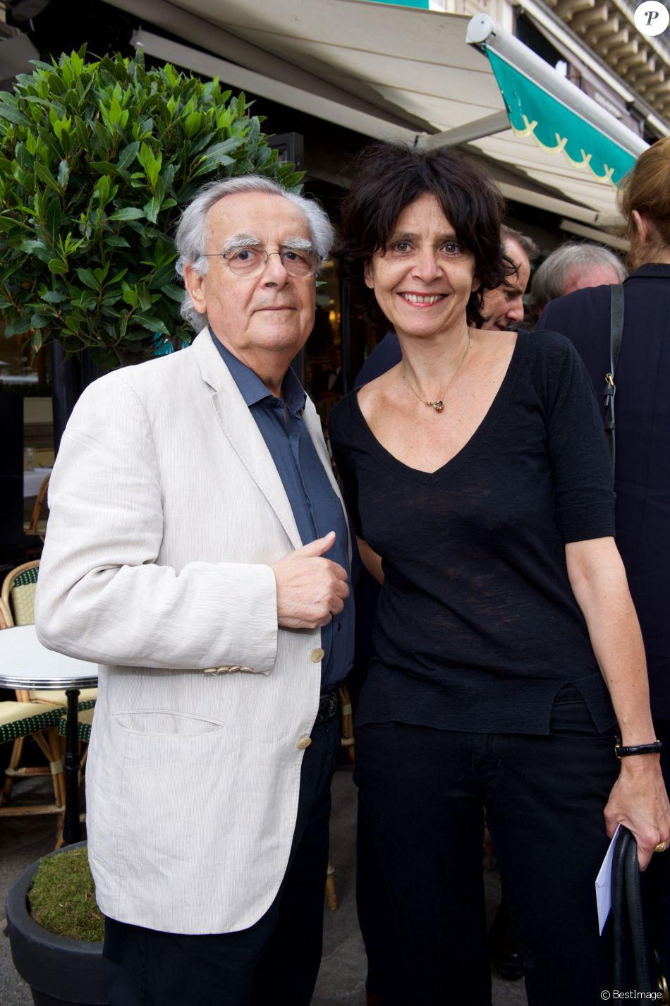 """Bernard Pivot et sa fille Cécile - Déjeuner """"Pères et Filles"""" au restaurant """"Les deux Magots"""" à Paris. Le 16 juin 2015"""