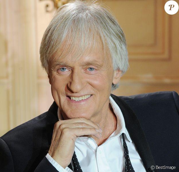 Le chanteur Dave , portrait à Paris, le 4 décembre 2014.