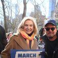 Carolyn Maloney et Michael J. Fox - Les célébrités et des centaines de milliers de manifestants protestent contre les armes à feu (March For Our Lives) à New York, le 24 mars 2018 © Sonia Moskowitz/Globe Photos via Zuma/Bestimage