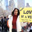 Padma Lakshmi - Les célébrités et des centaines de milliers de manifestants protestent contre les armes à feu (March For Our Lives) à New York, le 24 mars 2018 © Sonia Moskowitz/Globe Photos via Zuma/Bestimage
