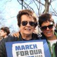Billie Jean King et sa compagne Ilana Kloss - Les célébrités et des centaines de milliers de manifestants protestent contre les armes à feu (March For Our Lives) à New York, le 24 mars 2018 © Sonia Moskowitz/Globe Photos via Zuma/Bestimage