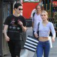 Lily Rose Depp et Ash Stymest font du shopping à West Hollywood le 3 novembre 2017.