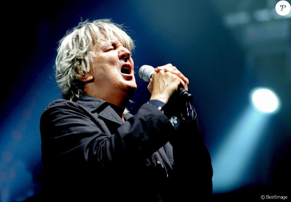 Archives - Jacques Higelin en concert pendant les Solidays en 2010 à Paris Juillet 2010