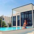 Iris Mittenaere pose en bikini à Dubaï (avril 2018)