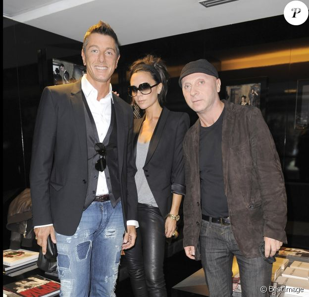 Stefano Gabbana, Victoria Beckham et Domenico Dolce à Milan. Mai 2009.