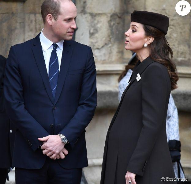 La duchesse Catherine de Cambridge, enceinte de huit mois, à Windsor le 31 mars 2018 lors de la messe de Pâques à laquelle la famille royale à assisté en la chapelle St George.