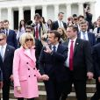 Le Président de la République Emmanuel Macron et sa femme la Première Dame Brigitte Macron visitent le Mémorial de Lincoln (Lincoln Memorial) à Washington, le 23 avril 2018. © Stéphane Lemouton/Bestimage