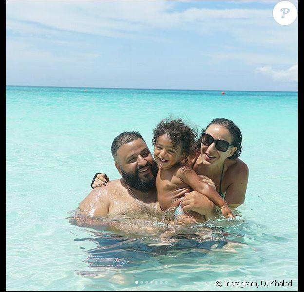 DJ Khaled, sa fiancée Nicole et leur fils Asahd en vacances aux Bahamas. Mai 2018.