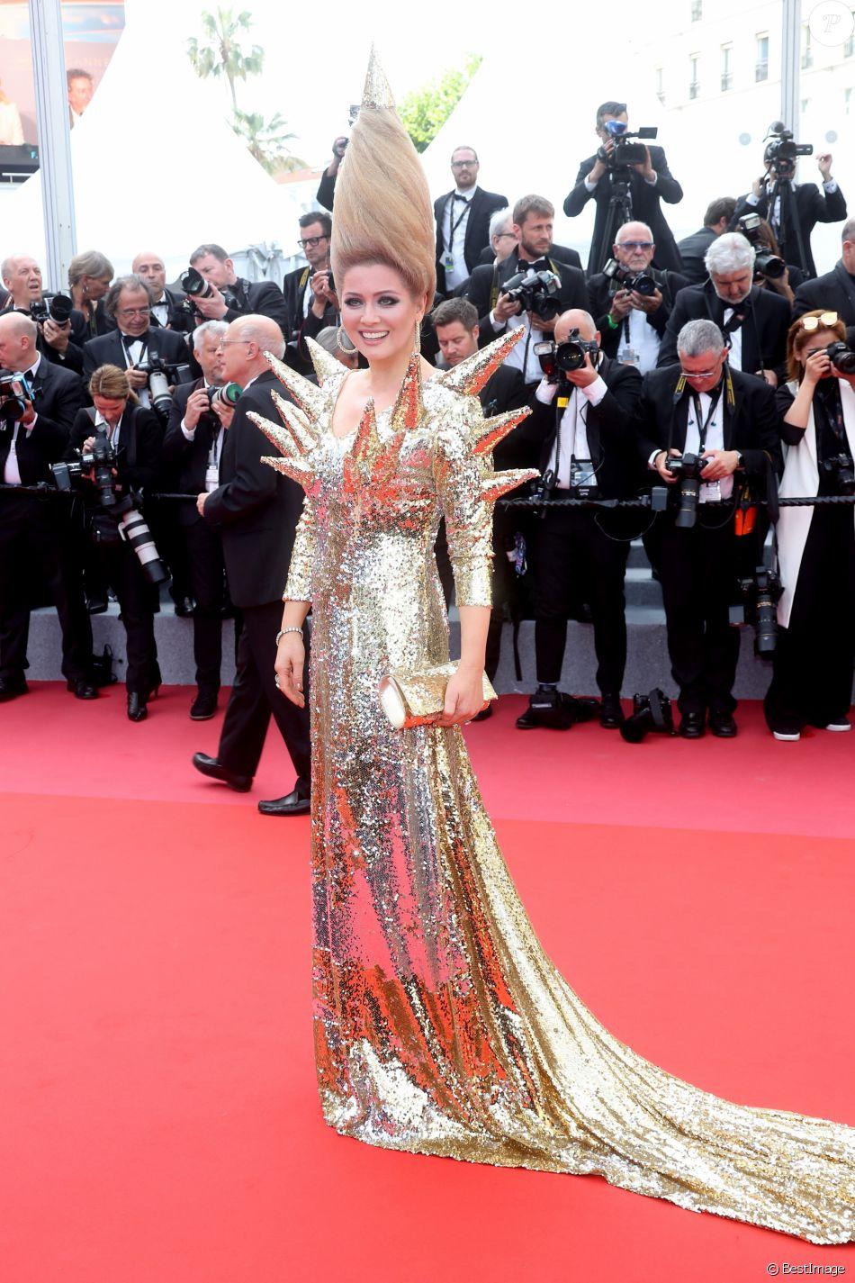 """Elena Lenina - Montée des marches du film """"Everybody Knows"""" lors de la cérémonie d'ouverture du 71ème Festival International du Film de Cannes. Le 8 mai 2018 © Borde-Jacovides-Moreau/Bestimage"""