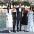 "Simon Kinberg, Lupita Nyong'o, Penélope Cruz (robe Ralph Lauren Collection), Jessica Chastain, Marion Cotillard, Fan Bingbing au photocall de ""355"" lors du 71ème Festival International du Film de Cannes, le 10 mai 2018. © Jacovides-Borde-Moreau/Bestimage"