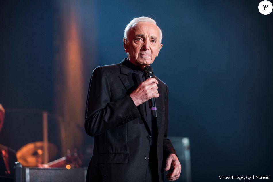 Exclusif - Charles Aznavour en concert à l'Accorhotels Arena (POPB Bercy) à Paris. Le 13 décembre 2017 © Cyril Moreau / Bestimage