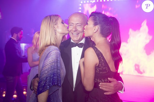 Fawaz Gruosi entre Paris Hilton et Nicole Scherzinger lors de la soirée du 25ème anniversaire de De Grisogono en marge du 71ème festival international du film de Cannes à Antibes le 15 mai 2018 © Borde / Jacovides / Moreau / Bestimage