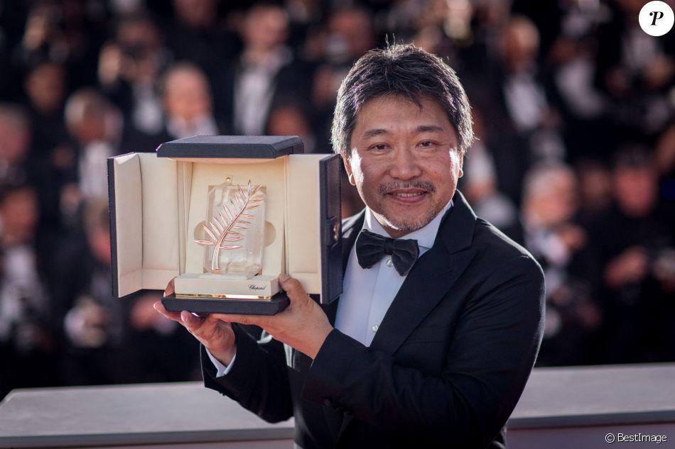 """Hirokazu Kore-eda (Palme d'Or du film """"Une affaire de famille"""") - Photocall de la remise des palmes lors de la cérémonie de clôture du 71ème Festival International du Film de Cannes le 19 mai 2017. © Borde-Moreau/Bestimage"""