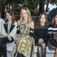 Léa Seydoux , Emma Stone, Delphine Arnault, Isabelle Huppert et Marina Foïs - Front row au défilé de la collection croisière Louis Vuitton 2019 dans les jardins de la fondation d'art Maeght à Saint-Paul-De-Vence, France, le 28 mai 2018.