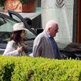 Exclusif - Anthony Hopkins et sa femme Stella Arroyave - A.Hopkins et sa femme S.Arroyave, quittent le Grand Hotel Vesuvio à Naples, Italie, le 9 avril 2018.