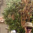 Exclusif - Jean-Pierre Raffarin et sa femme Anne-Marie - Mariage de la navigatrice et femme politique et vice-présidente de la région Sud-Provence-Alpes-Côte-d'Azur, Maud Fontenoy avec le conseiller régional poitevin Olivier Chartier à l'église de Gassin dans le Var le 26 mai 2018.