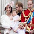 La duchesse Catherine de Cambridge (Kate Middleton) en Alexander McQueen lors de la parade Trooping the Colour le 11 juin 2016 à Londres.