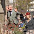 Camilla Parker-Bowles et le Prince Charles à la sortie de l'église Glen Muick, à Ballater, ce dimanche de Pâques
