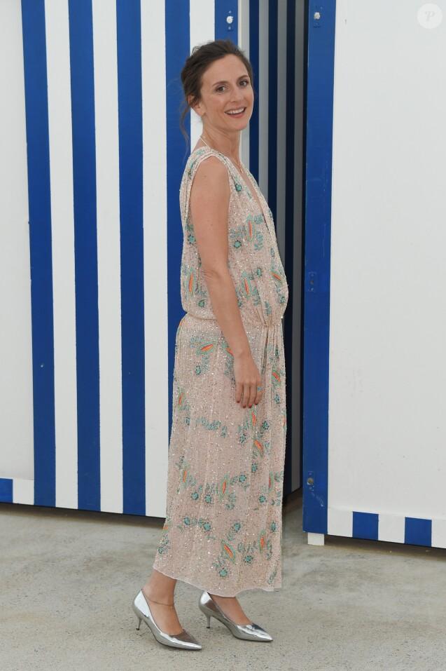 Info - Camille Chamoux enceinte de son deuxième enfant - Camille Chamoux (enceinte) - Photocall du 2ème jour du Festival du film de Cabourg, France, le 14 juin 2018. © Coadic Guirec/Bestimage