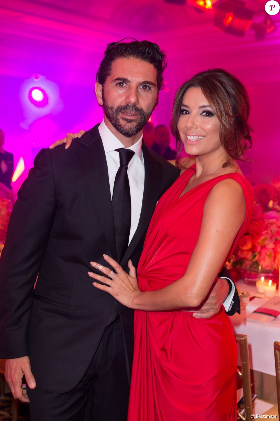 Exclusif - Eva Longoria (robe Monsoori, bijoux Messika) et son compagnon Jose Antonio Baston - Dîner du Global Gift Gala au profit de L'Unicef France Frimousses de Créateurs, de The Global Gift Foundation et The Eva Longoria Foundation, organisé au Four Seasons Hôtel George V à Paris, le 25 mai 2015.