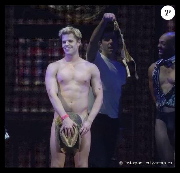 Charlie Carver nu lors de la soirée Broadway Bares : Game Night à New York, le 17 juin 2018