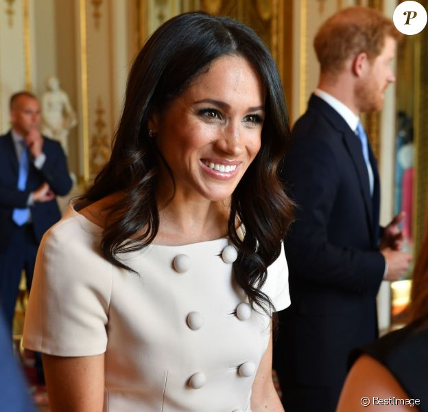 "Meghan Markle, duchesse de Sussex - Personnalités à la cérémonie ""Queen's Young Leaders Awards"" au palais de Buckingham à Londres le 26 juin 2018."