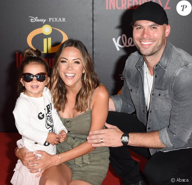 """Jana Krame, son mari Mike Caussin et leur fille Jolie Rae à la première du film d'animation """"Les Indestructibles 2"""" à Los Angeles le 5 juin 2018."""