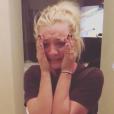 Kaley Cuoco annonçant ses fiançailles avec Karl Cook sur Instagram le 30 novembre 2017