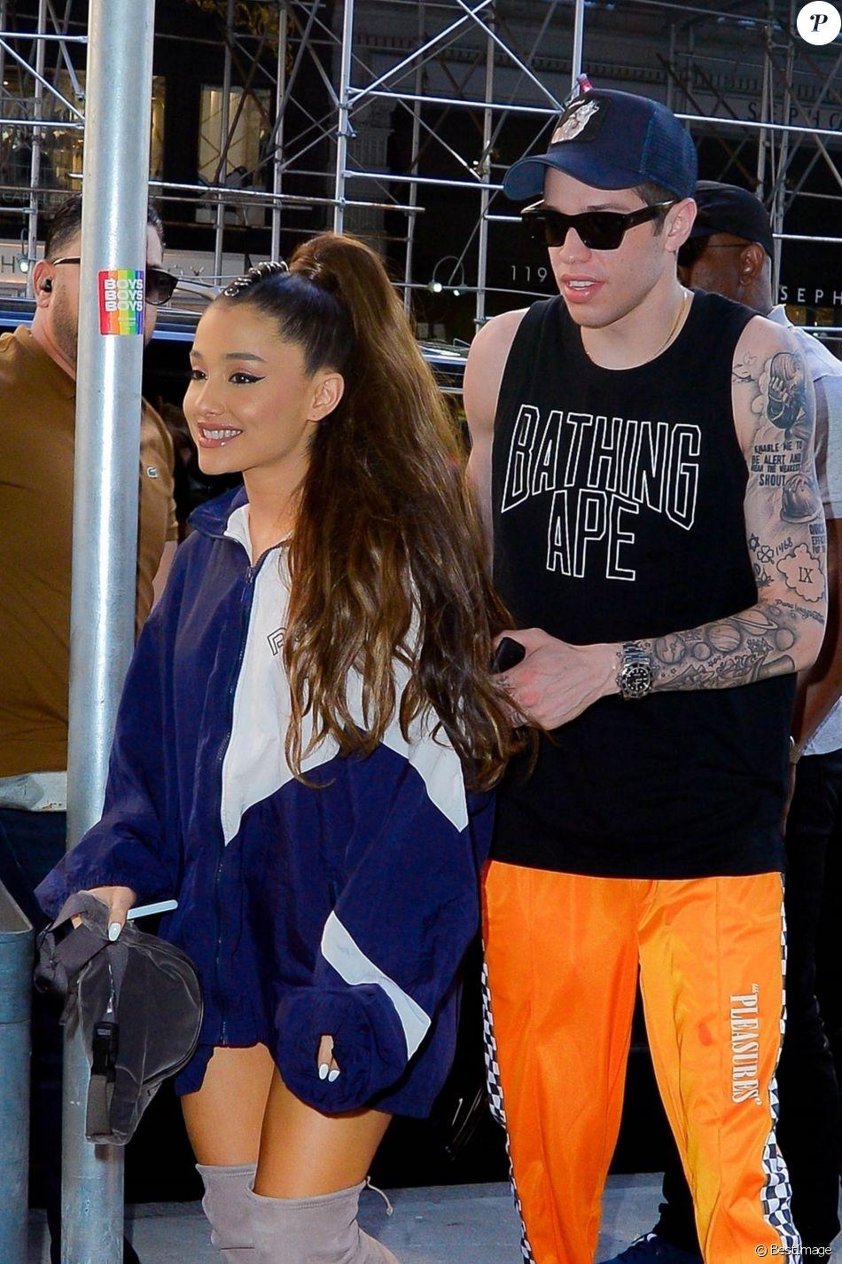 Ariana Grande Un Nouveau Tatouage En Hommage Au Pere De Son Cheri