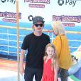 """David Spade et sa fille Harper Spade à la première de """"Hotel Transylvania 3: Summer Vacation"""" au Regency Village à Westwood, le 30 juin 2018"""