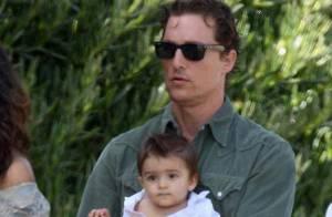 Matthew McConaughey est tellement fier de son fils... qu'il le montre à tout le monde !
