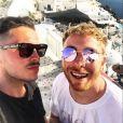 Olympe a partagé des photos de son séjour en Grèce sur les réseaux sociaux. Juillet 2018. Ici avec son mari Julien à Santorin pour leurs 2 ans de mariage.