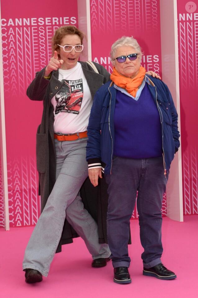 """Corinne Masiero et Josée Dayan durant le """"Pink Carpet"""" des séries """"Aqui En La Tierra"""" et """"Cacciatore The Hunter"""" lors du festival CanneSéries à Cannes, le 9 avril 2018. © Rachid Bellak/Bestimage"""