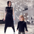 Coco Rocha et sa fille Ioni à Paris. Janvier 2018.