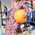 Exclusif - Hilary Duff, enceinte, a été aperçue en train de prendre du bon temps avec son fils Luca sur la plage de Malibu, le 4 juillet 2018.