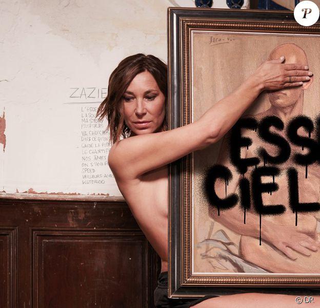 """""""Essenciel"""" de Zazie, photographiée par Laurent Seroussi, attendu le 7 septembre 2018."""