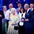 Sir Tom Jones, La reine Elisabeth II d'Angleterre et Le prince Charles, prince de Galles - Concert au théâtre Royal Albert Hall à l'occasion du 92ème anniversaire de la reine Elisabeth II d'Angleterre à Londres le 21 avril 2018.