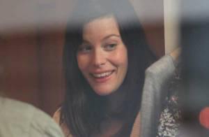 Liv Tyler : découvrez les photos de sa séance shopping parisienne !