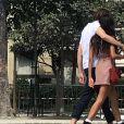 Exclusif - Malia Obama et son compagnon Rory Farquharson se promènent en amoureux dans les rues de Paris. Le 16 juillet 2018